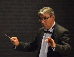 dirigent John Leenders